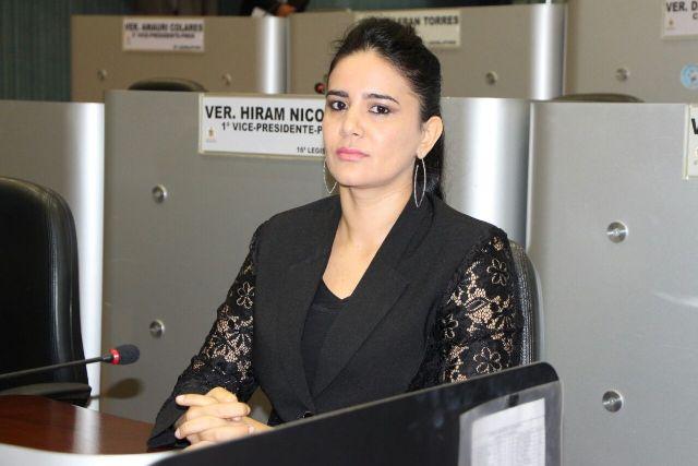 A vereadora Vilma Queiroz se rebelou contra o prefeito para impedir a extinção da Secretaria das Mulheres (Foto: Divulgação)