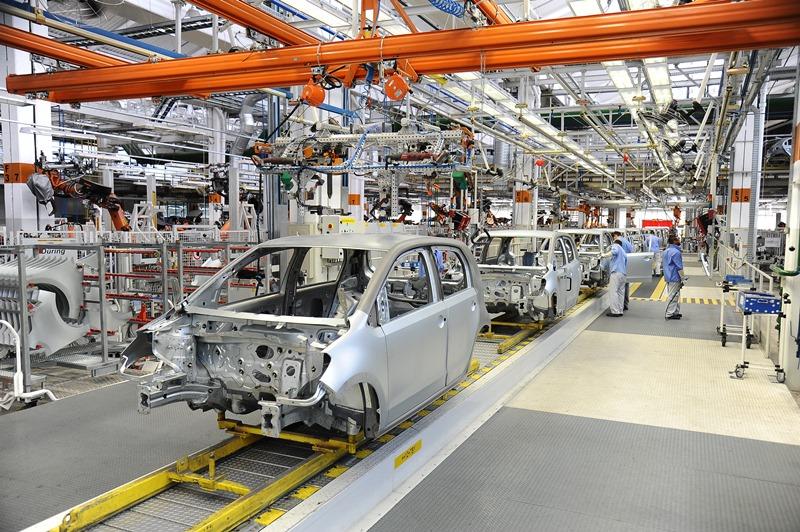 Na foto fabrica linha de monatgem  da Volkswagem  em Taubaté.