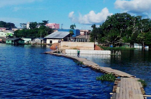 Ponte do Pera, em Coari, é uma das obras suspeitas de irregularidades (Foto: Amazonas Atual)