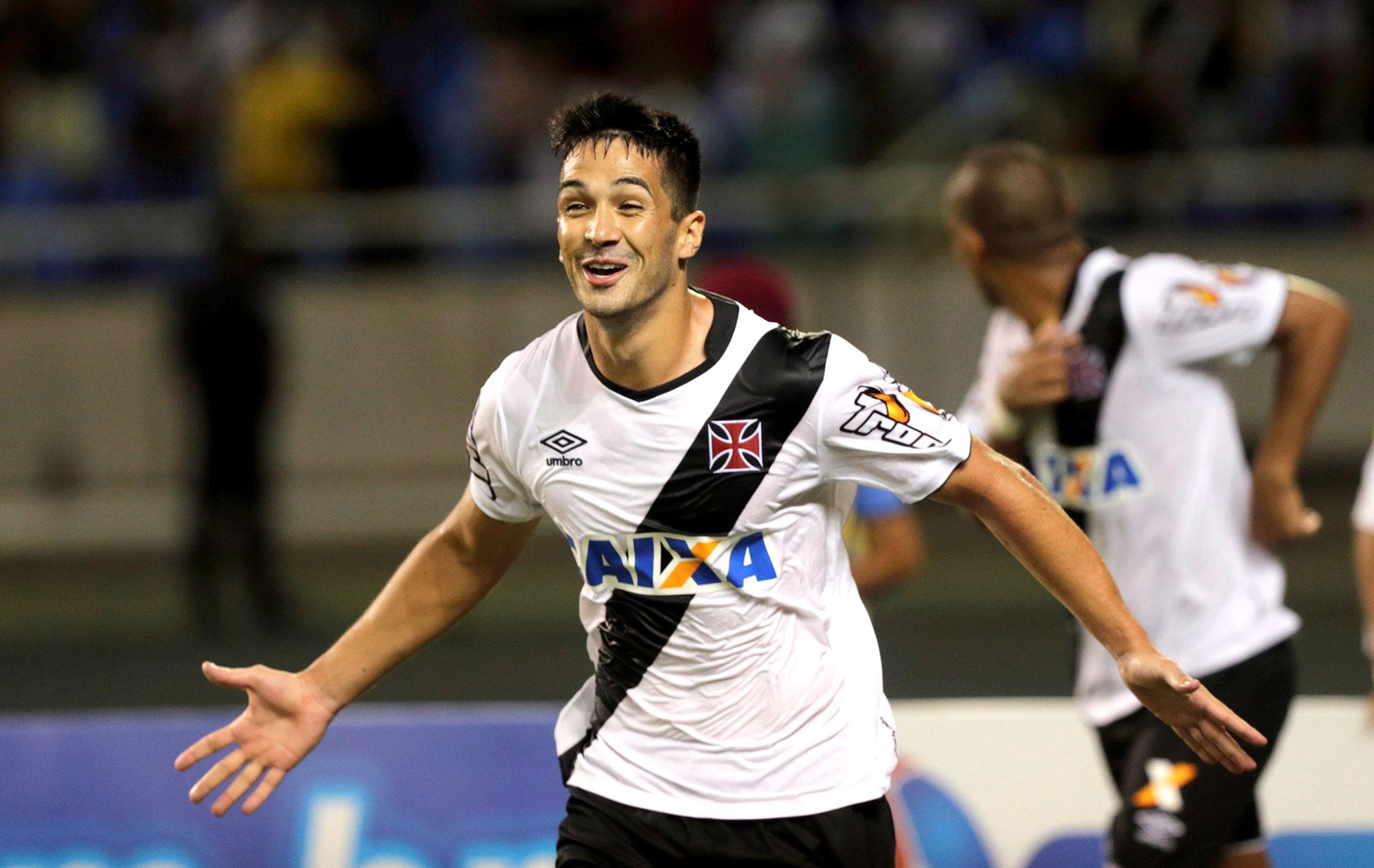 15ca5df990  Tudo Timão  Exclusivo  Corinthians mira zagueiros de Vasco e Coritiba para  2017