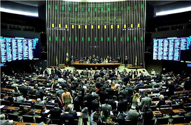 O Plenário da Câmara dos Deputados começa a votar nesta terça-feira as propostas de reforma política (Foto: Zeca Ribeiro/Câmara dos Deputados)