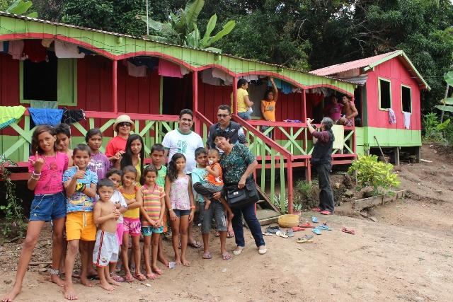 Comunidades Tradicionais Ribeirinhas, com o apoio do Movimento SOS Encontro da Águas, fez abaixo-assinado contra a instalação do Polo Naval (Foto: Valter Calheiros)