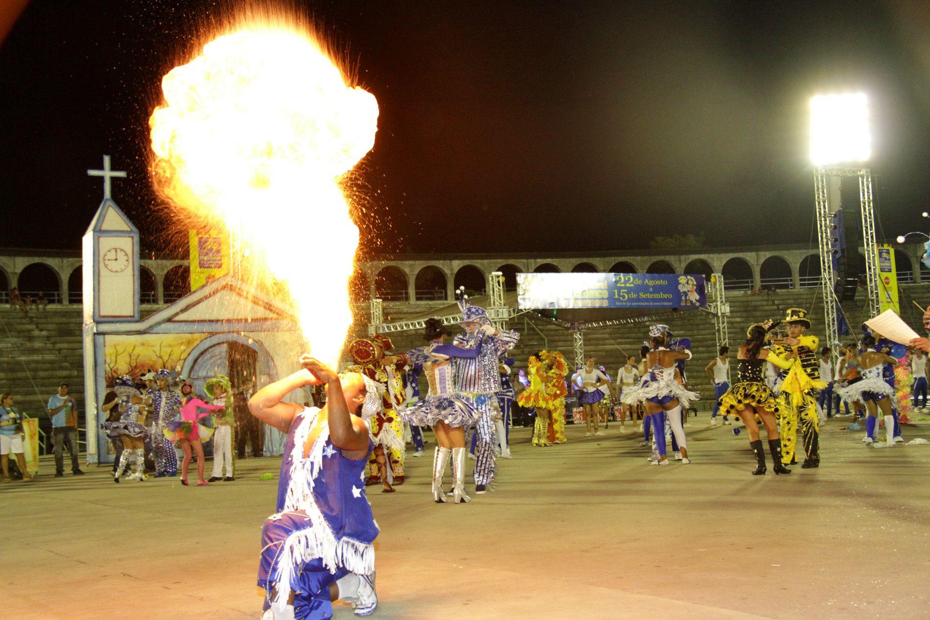 Nove festivais folclóricos animam fim de semana em Manaus