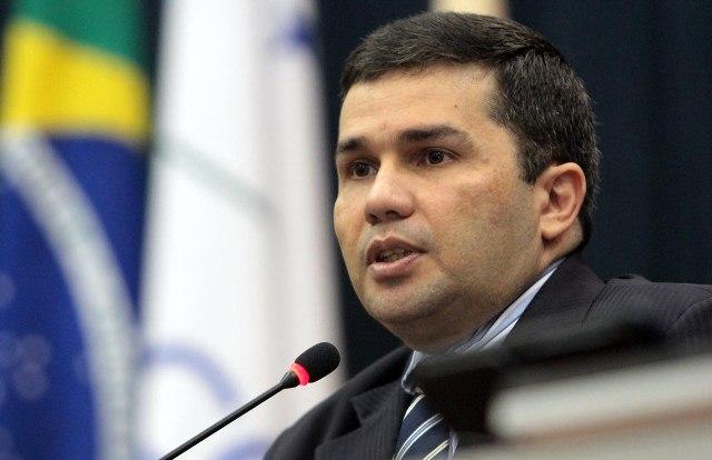 Sérgio Fontes será homenageado com a Medalha de Ouro Cidade de Manaus (Foto: Tiago Corrêa/CMM)