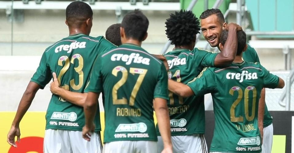 leandro-pereira-comemora-gol-do-palmeiras-com-companheiros Foto César Greco Ag Palmeiras Divulgação