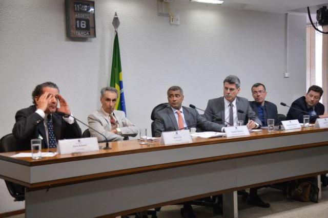 A CPI do Futebol no Senado realiza audiência pública interativa com a participação de jornalistas esportivos (Antonio Cruz/Agência Brasil)