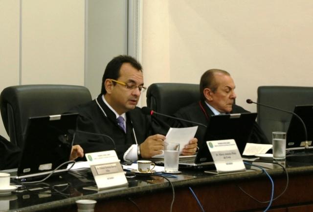 Marco Antônio Pinto (à esquerda): sem tempo para analisar os processos de José Melo (Foto: TRE-AM)