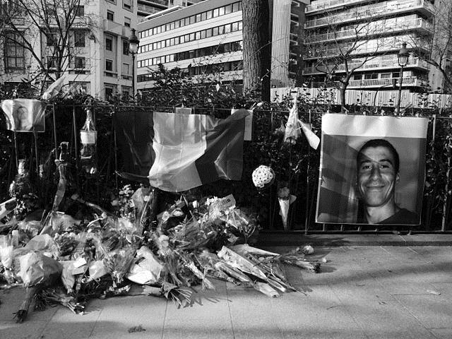 Quatro anos depois, suspeito de atentado ao Charlie Hebdo chega a Paris