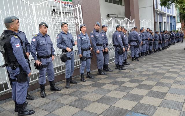 Salários de comissários de polícia gera reação na PM – Amazonas