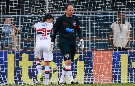 Rogério Ceni leva gol Foto Reprodução