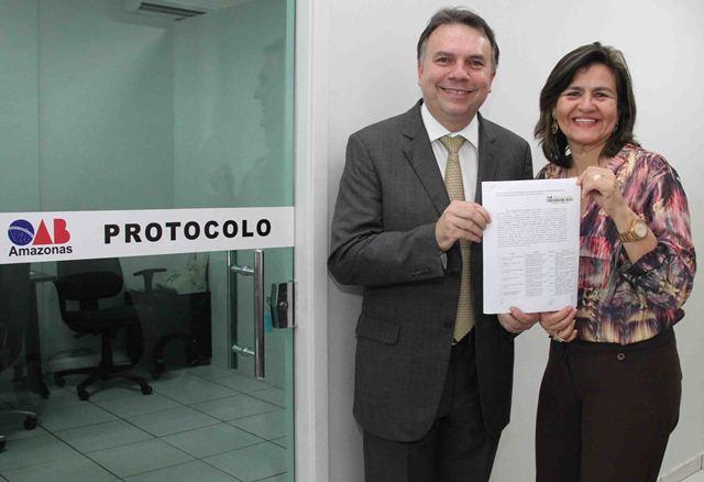 Jean Cleuter Mendonça e Omara Gusmão disputam a presidência e vice-presidência da OAB-AM (Foto: Divulgação)