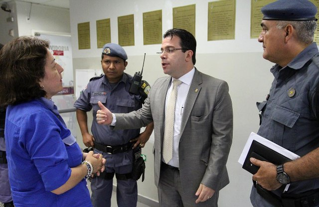 MANAUS 20.10.15 - VEREADOR WILKER BARRETO (PHS) DISCURSA NA SESSAO PLENARIA DA CAMARA MUNICIPAL DE MANAUS (CMM). FOTO:TIAGO CORREA/CMM.
