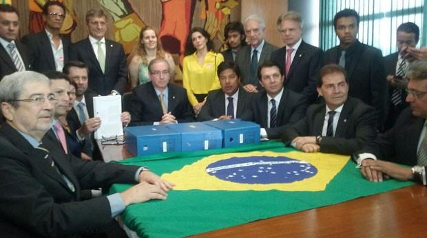 oposicao entrega pedido de Impeachment  Foto Fernanda Calgaro