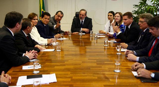 Reunião da bancada do Amazonas com o ministro do Desenvolvimento Industria e Comércio Exterior, Armando Monteiro (Foto: Ariel Costa/Divulgação)