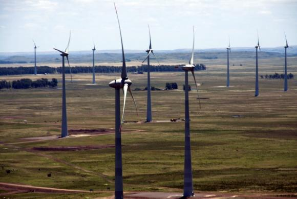 usina_eolica 2º Leilão de Energia de Reserva de 2015 destina-se à contratação de energia proveniente de fontes solar e eólica (ArquivoAgência Brasil)