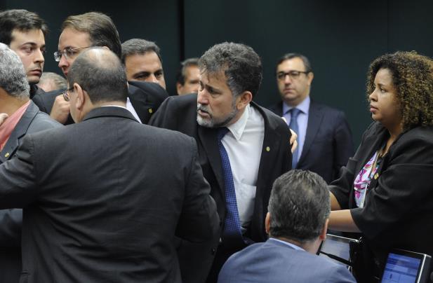 Deputados trocam tapas em sessão no Conselho de Ética Foto Luis Macedo Câmara