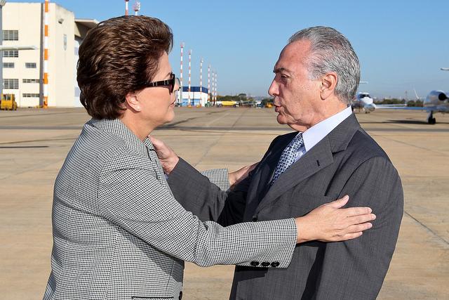 Brasília-DF, 30/05/2011. Presidenta Dilma Rousseff se despede do vice Michel Temer antes do embraque para o Uruguai. Foto: Roberto stuckert Filho.