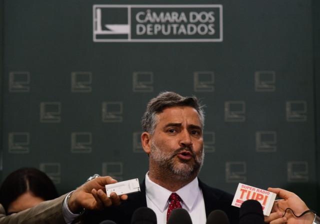 Brasília - O deputado Paulo Pimenta, líder do governo na Comissão Mista de Orçamento (CMO), fala sobre o corte de gastos (Valter Campanato/Agência Brasil)