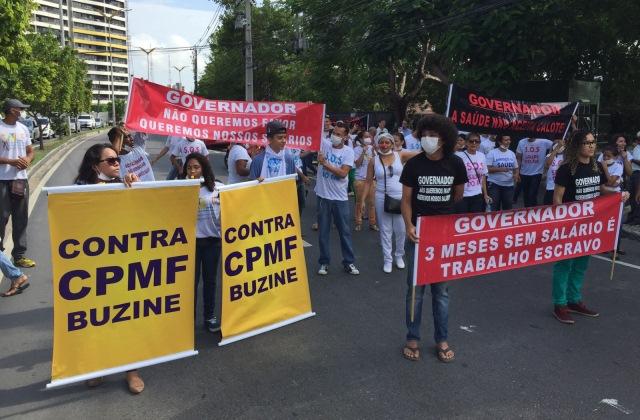 Protesto organizado pelo Sindicato dos Médicos em frente à Susam. Manifestantes fechavam a Avenida André Araújo por alguns minutos (Foto: Divulgação)