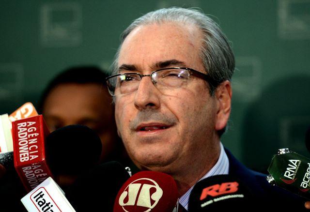Brasília - O presidente da Câmara, Eduardo Cunha, fala sobre a operação da Polícia Federal (PF), em entrevista coletiva no Salão Verde (Antonio Cruz/Agência Brasil)