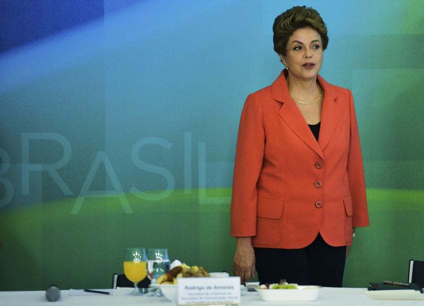 Brasília - Presidenta Dilma Rousseff durante café da manhã com jornalistas-setoristas do Palácio do Planalto (José Cruz/Agência Brasil)