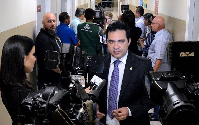 Álvaro Campelo bateu de frente com o deputado Abdala Fraxe sobre defesa do consumidor (Foto: Robervaldo Rocha/CMM)
