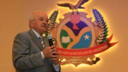 Governador José Melo, no auditório do TCE (Foto: Ana Cláudia Jatahy)