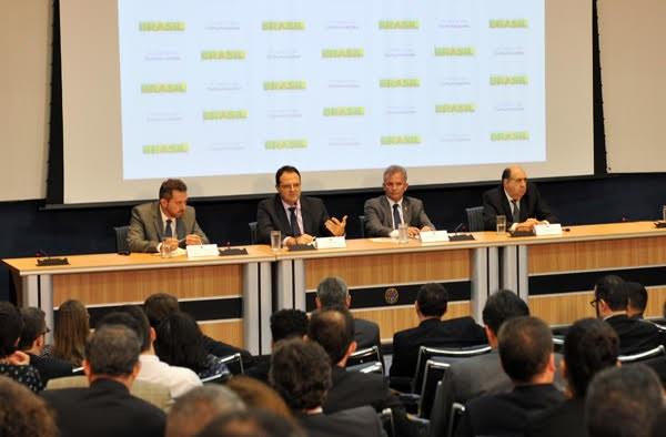 Ministro anuncia marco regulatório das telecomunicações Foto Francisca Maranhão MPOG