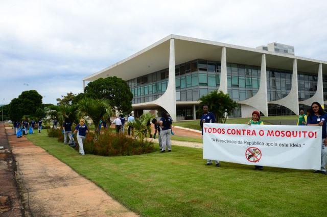 Brasília - Operação caça mosquito Aedes aegypti no Palácio do Planalto (Antonio Cruz/Agência Brasil)