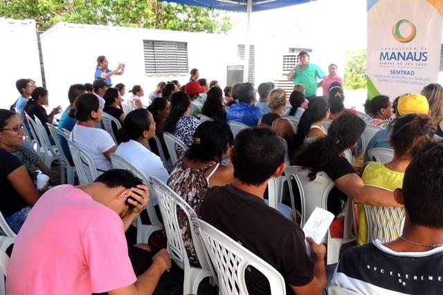 AÇAO DE CADASTRAMENTO NO VIVER MELHOR 2 Foto Divulgação Semtrad