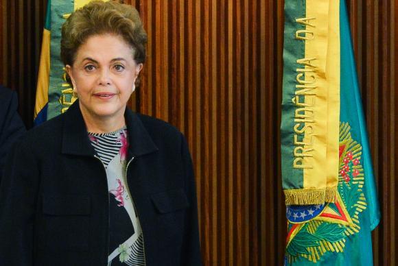 A presidenta Dilma Rousseff diz que não sairá do cargo sem que haja motivo para tal   José CruzAgência Brasil