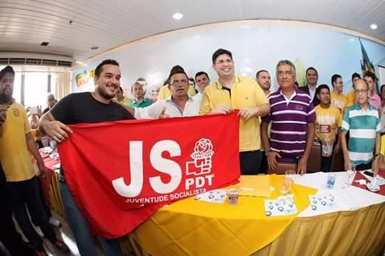Hissa Abrahão com a juventude do PDT (Foto: Divulgação)