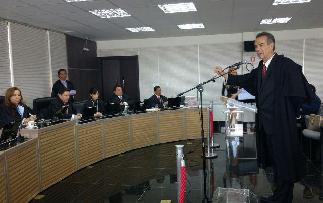 Marcelo Ribeiro no TRE-AM, fazendo a defesa do governador José Melo (Foto: Rosiene Carvalho)