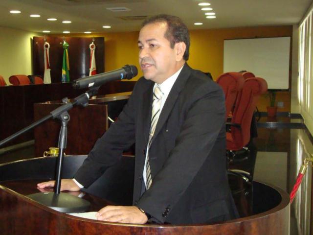 O promotor Otávio Gomes é o autor da Ação Cautelar Inominada ajuizada nesta sexta-feira (Foto: Divulgação)