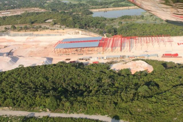 Empreendimento da empresa começou a ser erguido em área de preservação permanente em Manaus (Foto: Clic Notícias Amazônia)