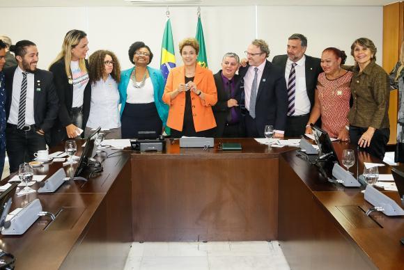 Dilma aprova nome social Foto Divulgação