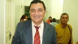 O ex=prefeito Antônio Peixoto comprou R$ 3,1 milhões em material de expediente em 2010 (Foto: Divulgação)