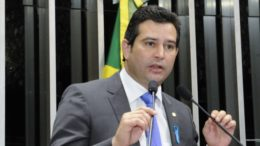 Deputado Maurício Quintella Lessa (PR-AL) discursa na sessão solene do Congresso em homenagem ao Movimento Novembro Azul e a Sociedade Brasileira de Urologia Foto: Waldemir Barreto/Agência Senado