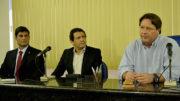 O presidente do Cieam, Wilson Périco (à esquerda) e os representantes do Sindifisco (Foto: Valmir Lima)
