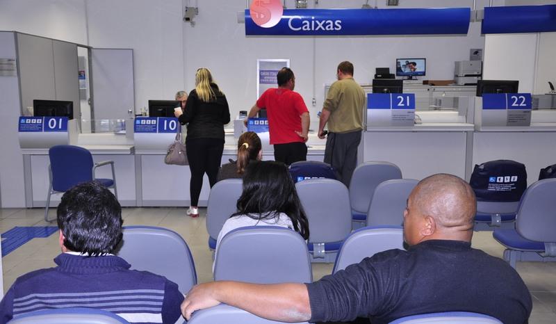 Caixa e Santander possuem piores ouvidorias entre os bancos maiores