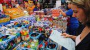 Consumidores preferem pagar à vista. A prazo, opção é por três parcelas (Foto: Luciano Lanes/ PMPA)