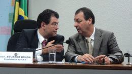 Eduardo Braga e Omar Aziz: adversários desde as eleições de 2014 voltam a dialogar (Foto: Senado/Divulgação/13.04.2011)