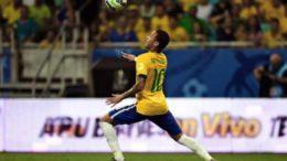 Neymar decepcionou. Foi pouco criativo e não ameaçou o gol do Iraque (Foto: CBF/Divulgação)