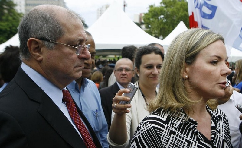 Paulo Bernardo e Gleisi Hoffmann podem se tornar réus caso STF aceite denúncia da PGR Foto: Divulgação)