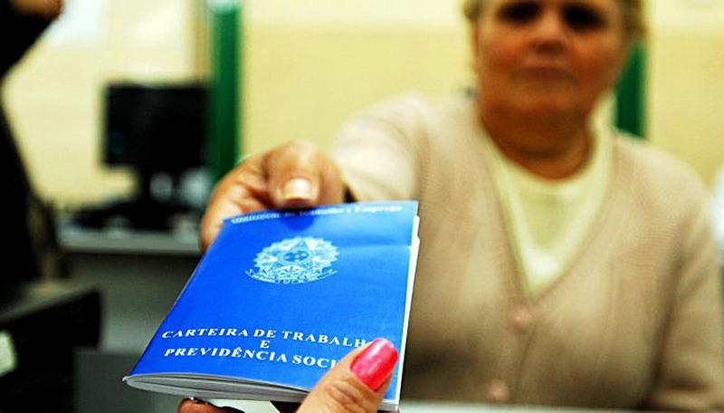 Reforma trabalhista é cabível a todos os contratos da CLT, diz Governo