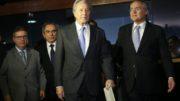 Brasília - O relator Antonio Anastasia e o presidente da Comissão do Impeachment, Raimundo Lira, o presidente do STF, Ricardo Lewandowski, e o presidente do Senado, Renan Calheiros, chegam para reunião com líderes (Antonio Cruz/Agência Brasil)