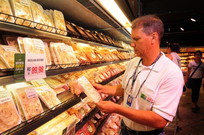 Alimentos mais baratos frearam alta da inflação medida pelo IGP-10