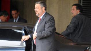 Palocci pediu garantia de proteção para ele e família em acordo com PF