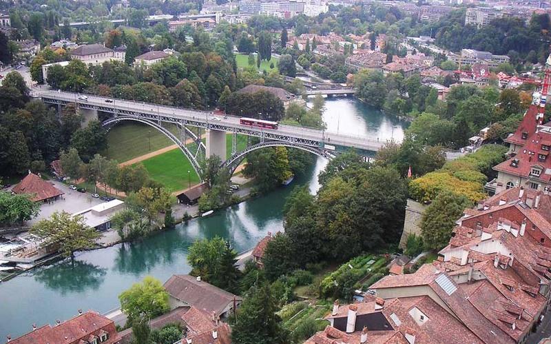O ex-deputado Eduardo unha tem contas em bancos de Berna, uma das cidades mais belas da Suíça (Foto: Divulgação)
