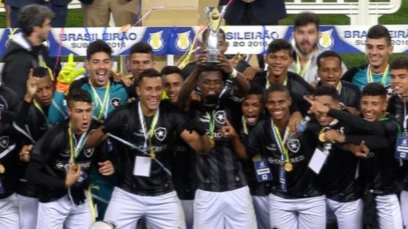 Jogadores do Botafogo festejaram o título inédito para o clube com vitória sobre o Corinthians (Foto: ESPN/Divulgação)